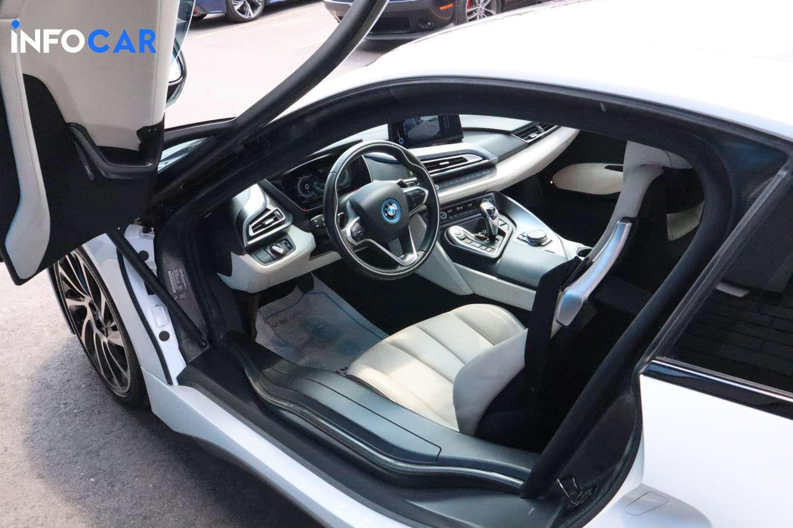 2016 BMW I8 i8 - INFOCAR - Toronto's Most Comprehensive New and Used Auto Trading Platform