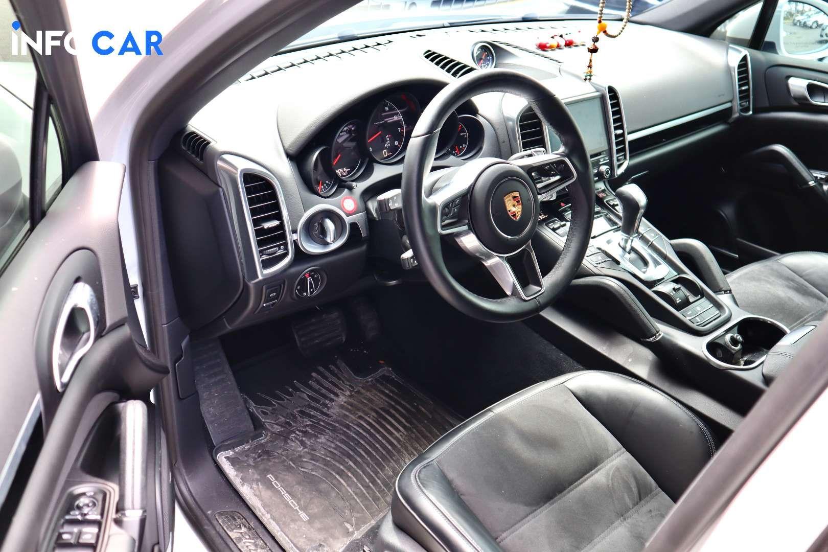 2018 Porsche Cayenne Platinum Edition - INFOCAR - Toronto's Most Comprehensive New and Used Auto Trading Platform