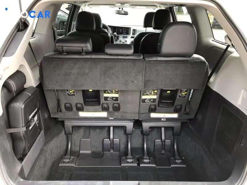 2017 Toyota Sienna minivan - INFOCAR - Toronto's Most Comprehensive New and Used Auto Trading Platform