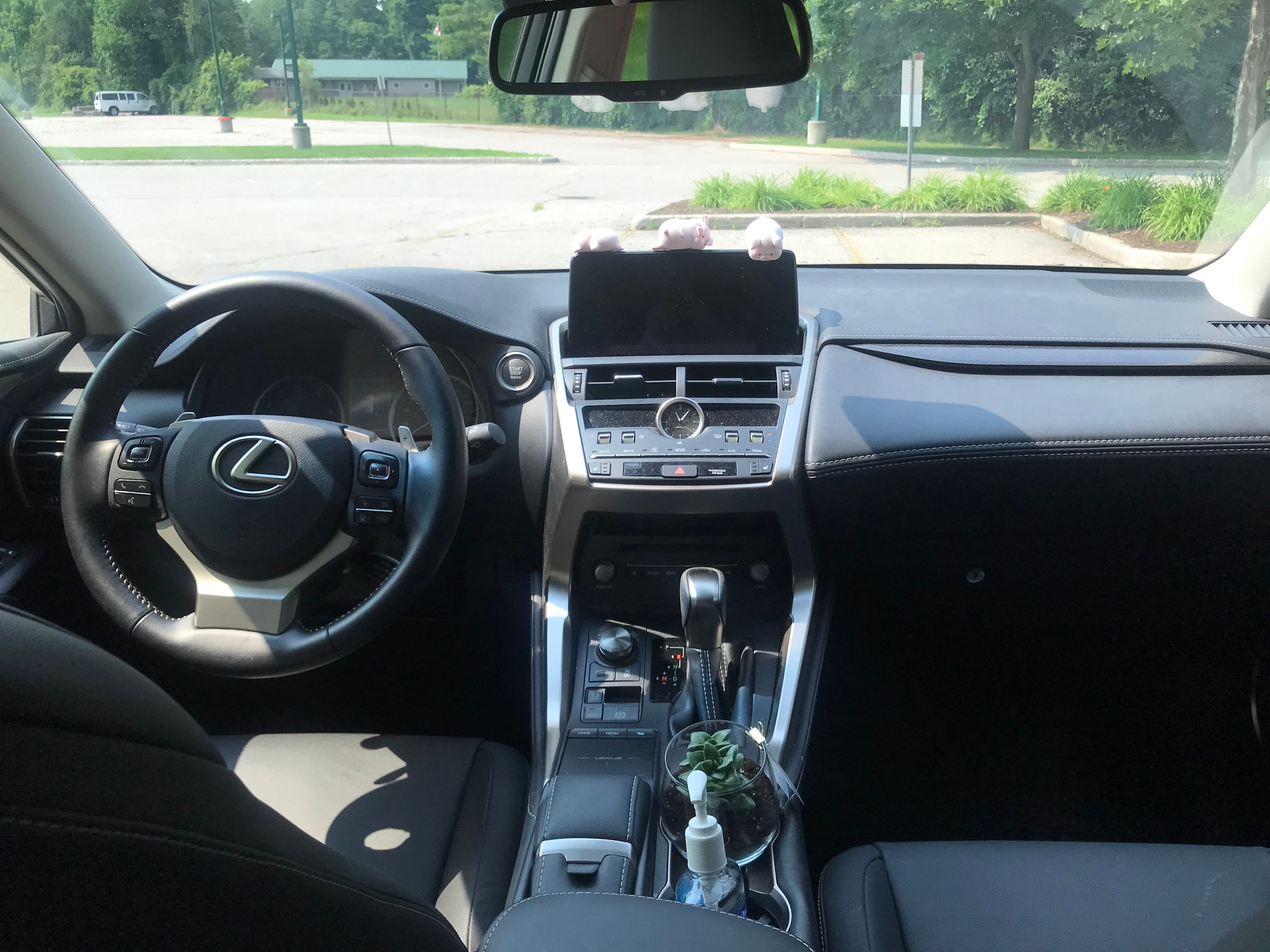 2019 Lexus NX 300 base model(标配) - INFOCAR - Toronto's Most Comprehensive New and Used Auto Trading Platform